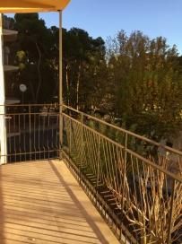 Se refuerza la barandilla en la terraza