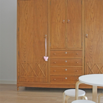 mueble vintage en dormitorio